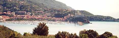 General view of the Gulf of Poets from Lerici